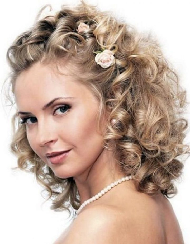 Wedding Hairstyles For Medium Thick Hair 1024 X 1314 Cute Hairstyles For Medium Length Hair Wwwtrobusbkk - Weddinghair.xyz