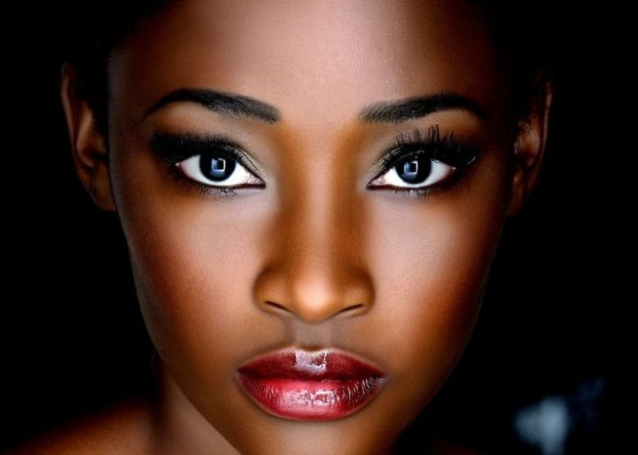 natural-makeup-for-dark-skin-tones