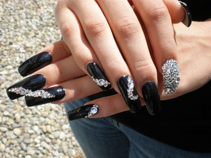 unhas-decoradas-de-strass-8