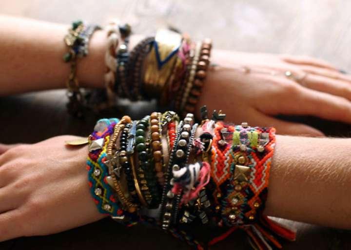 Artesanato Hippie saiba mais, e veja passo a passo de pulseira Tudo Ela