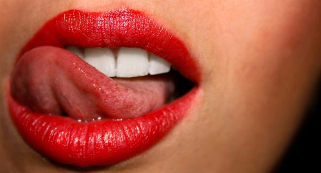 boca-lingua-mulher