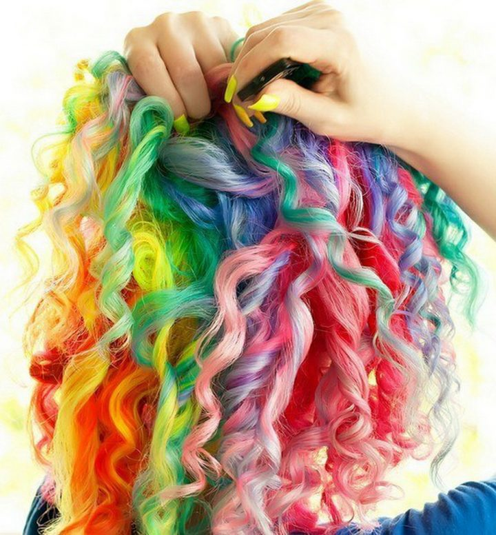cabelos-cacheados-coloridos-4