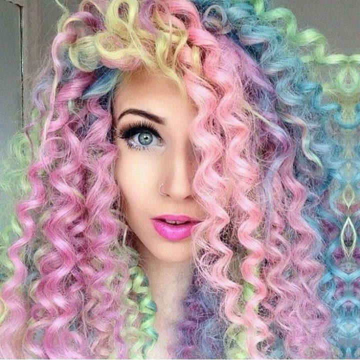 cabelos-cacheados-coloridos-9