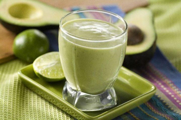 como-fazer-vitamina-de-abacate