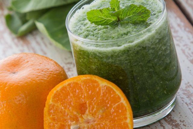 suco-de-couve-com-laranja-e-gengibre