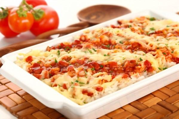 Arroz-de-forno-com-presunto-e-queijo
