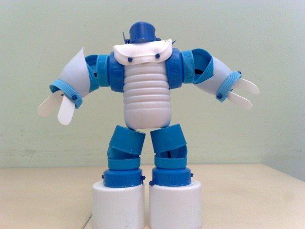 Brinquedos Recicláveis Estimulam As Crianças E Ajudam O Meio