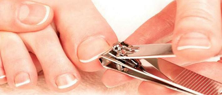 aprenda-a-cortar-as-unhas-dos-pes-corretamente-d-712x306