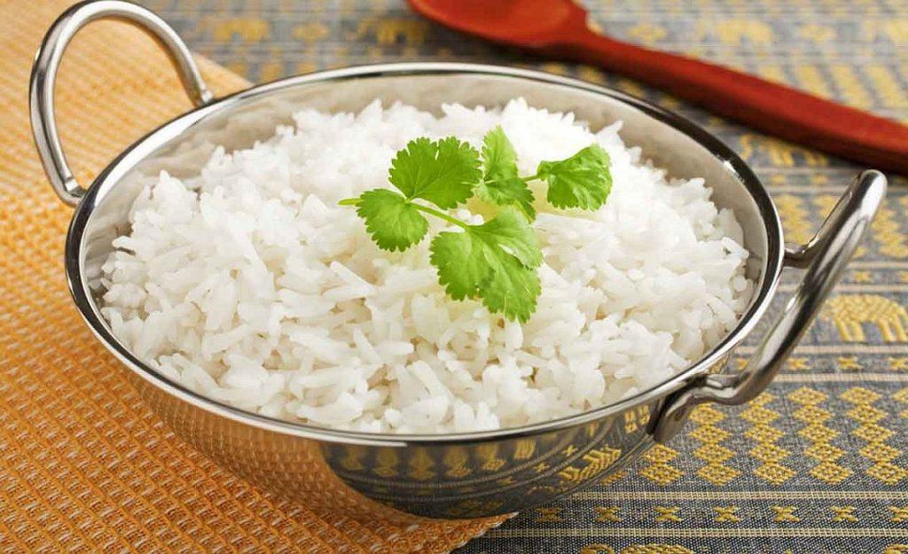 arroz-soltinho-Lavar-cozinhar-óleo-arroz-passo-a-passo-passo-a-passo-fio-de-óleo-panela-cozinhe-arroz-branco-paella-risoto-sushis-4