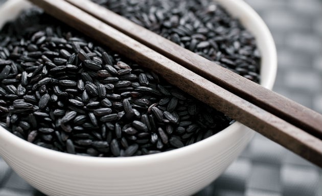 beneficios-arroz-negro