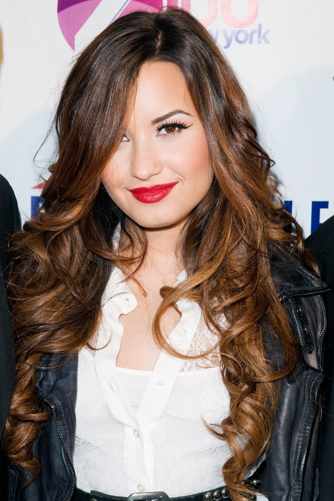 demi-lovato-jingle-ball-2011-official-kick-off-party-01