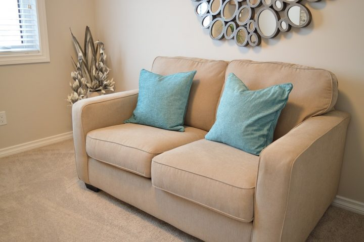 love-seat-1090458_960_720