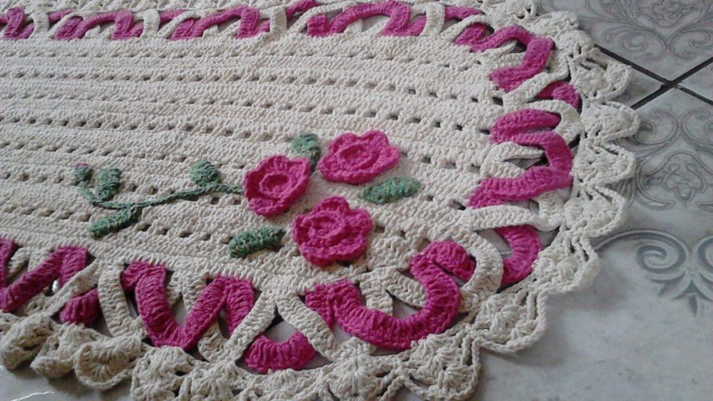 lindo-tapete-artesanal-em-barbante-cru-e-rosa-pink-589011-MLB20471467485_112015-F