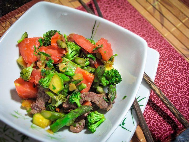 tirinhas-de-carne-com-brócolis-e-óleo-de-gergelim-torrado02