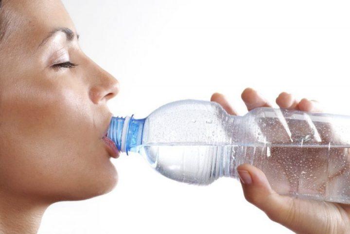 beber-2-litros-de-agua-por-dia