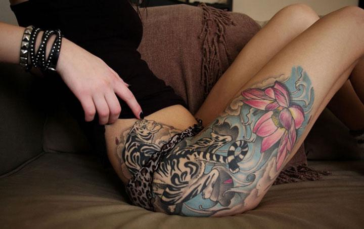 Tatuagem ntima fotos e inspira es para escolher a sua - Tatouage rose hanche ...