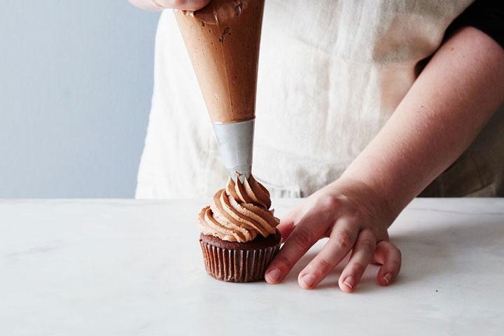 Fazendo cupcakes