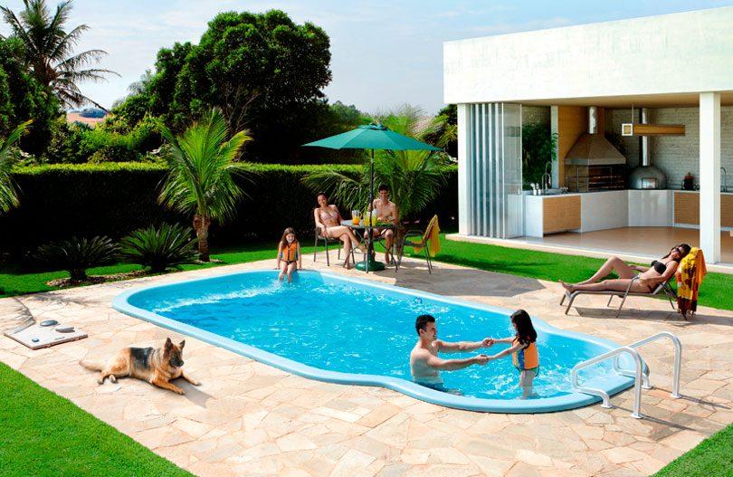 Piscina de fibra dicas para encontrar o modelo perfeito for Modelos de piscinas en casa