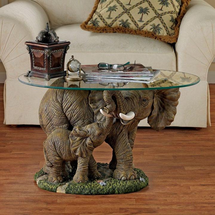 Decoração com esculturas elefantes