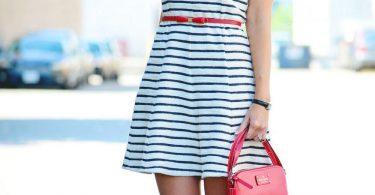 Look com vestido listrado
