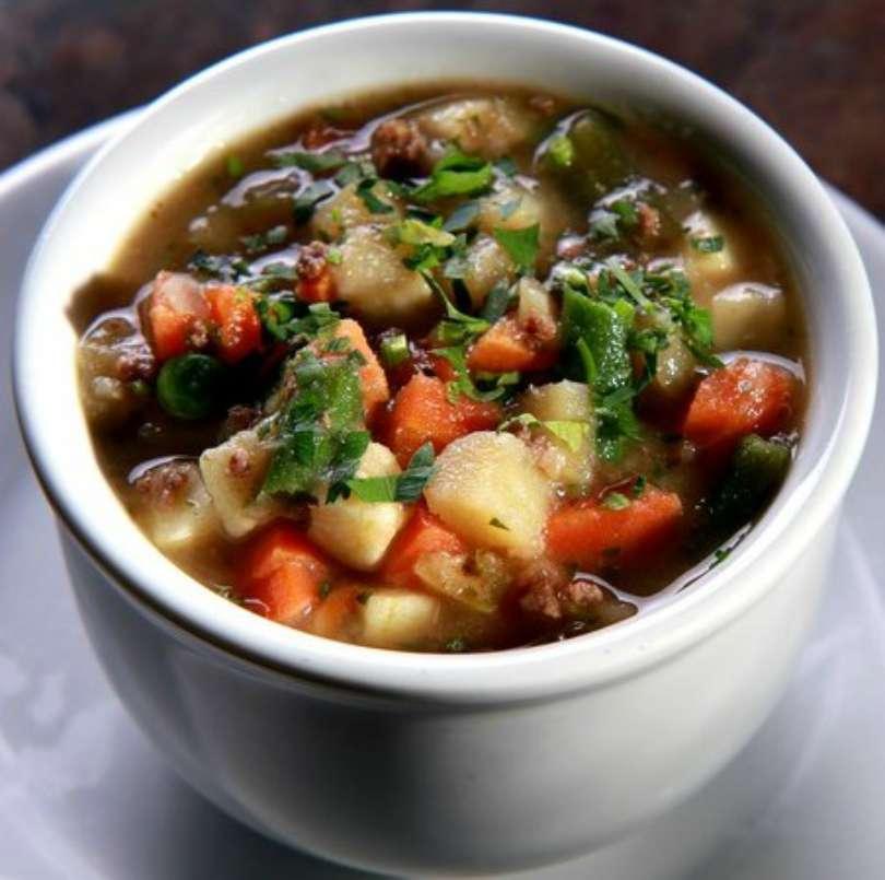 Como fazer sopa de legumes com carne