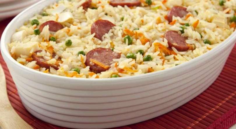 Como fazer arroz de forno com calabresa