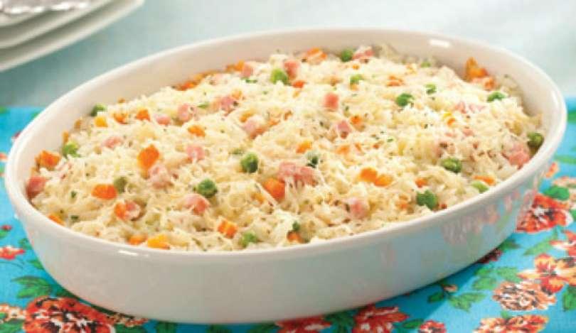 Como fazer arroz de forno simples