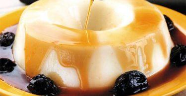 Como fazer manjar branco com calda de ameixa