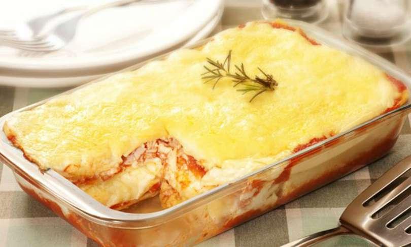 Como fazer lasanha de batata com presunto e queijo