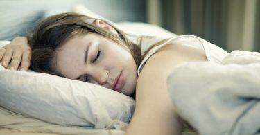 Sonhar com alguém passando mal