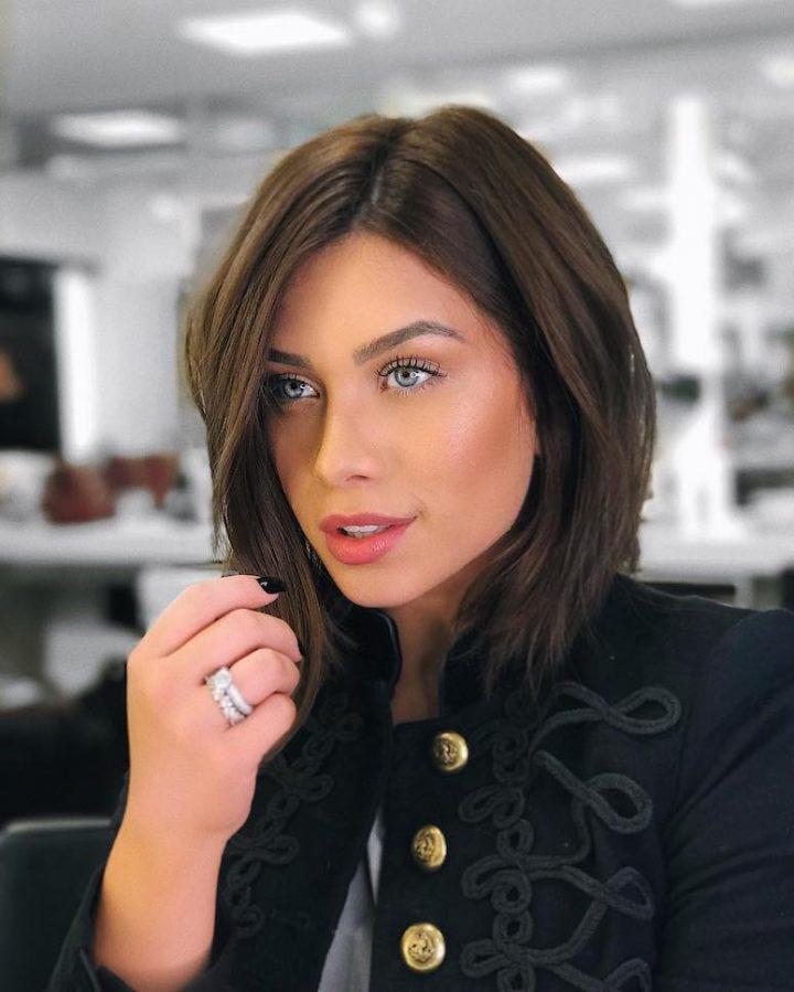 48aaf1b4b5 Você tem vontade de aderir ou já é adepta ao corte de cabelo Chanel de bico?  Compartilhe!