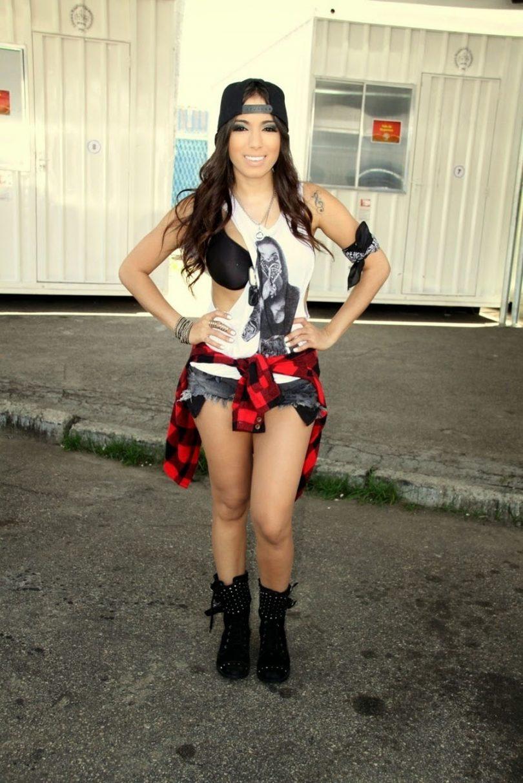 Looks da Anitta