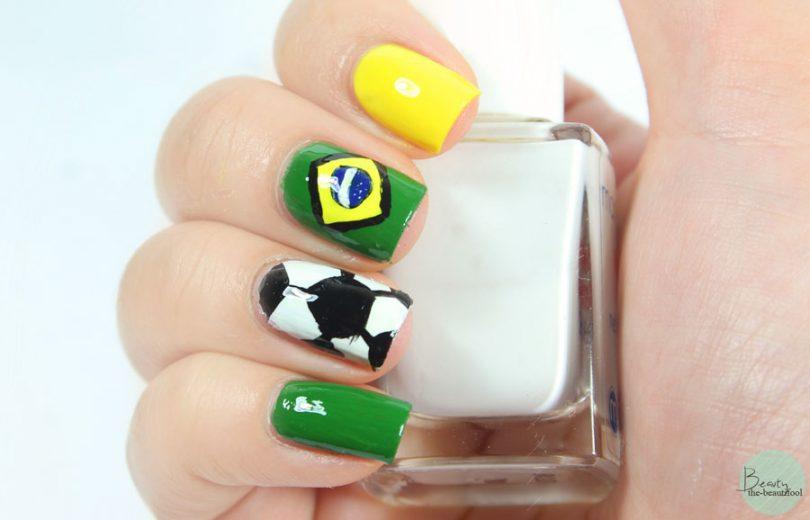 Unhas decoradas para a Copa do Mundo