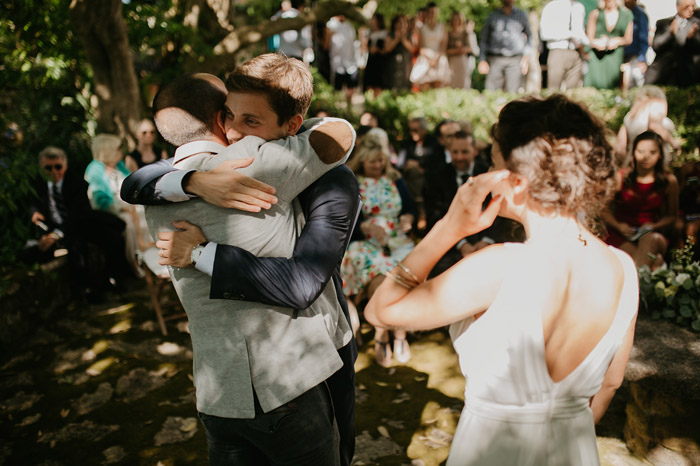 Comprar ou alugar vestido de noiva