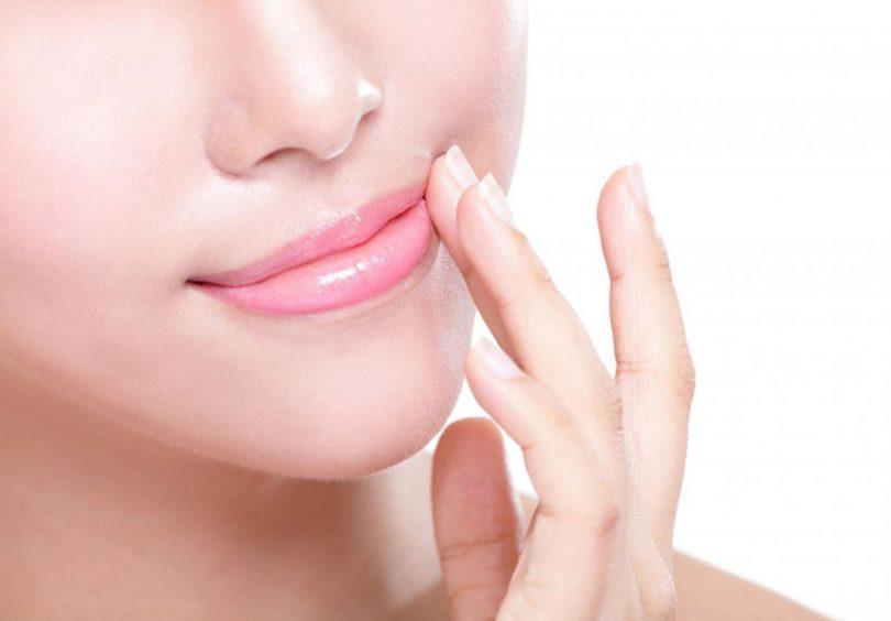 Como deixar os lábios rosados naturalmente