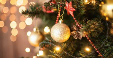 Como montar e decorar uma árvore de Natal