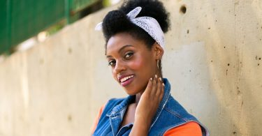 Penteados protetores para cabelos crespos e cacheados