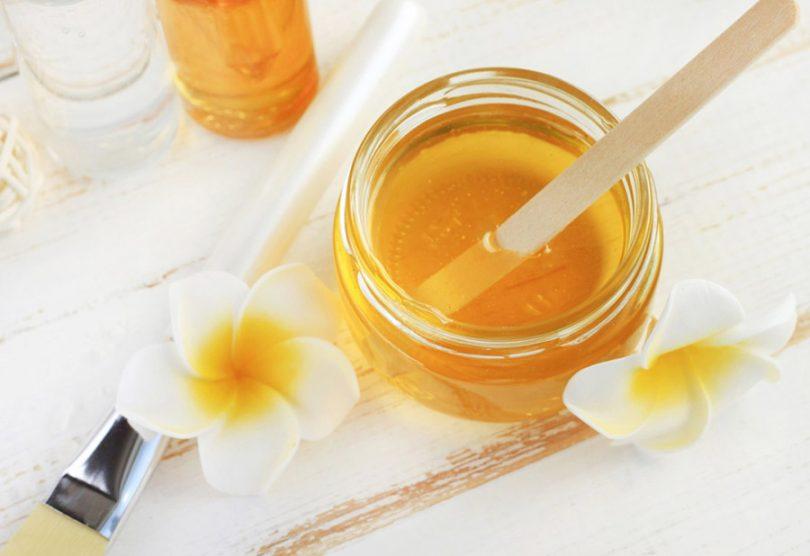 Limpeza de pele com mel